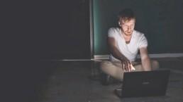 Mein harter Weg aus dem Albtraum online Sucht - Florian Buschmann verloren im Netz